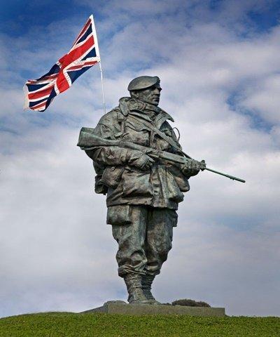 Monumento da Guerra das Malvinas, Note o FN FAL