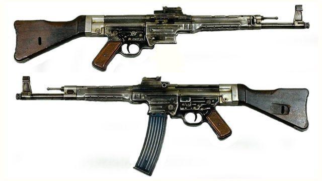 Versão final do Sturmgewehr 1944 (StG 44).