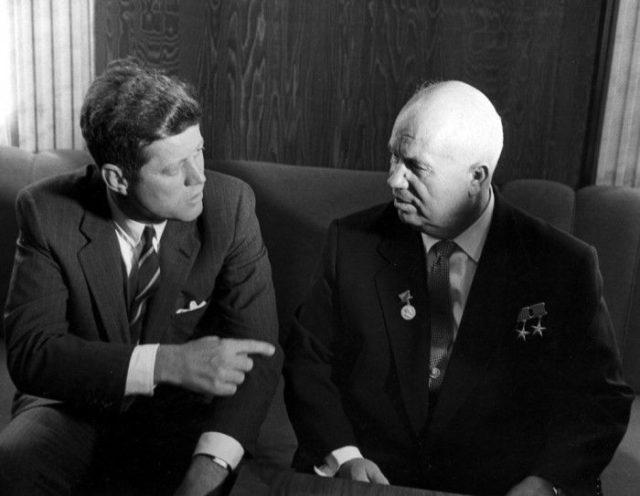 John Kennedy e Nikita Khrushchev