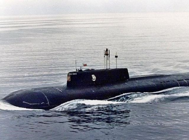 Submarino Kursk navegando