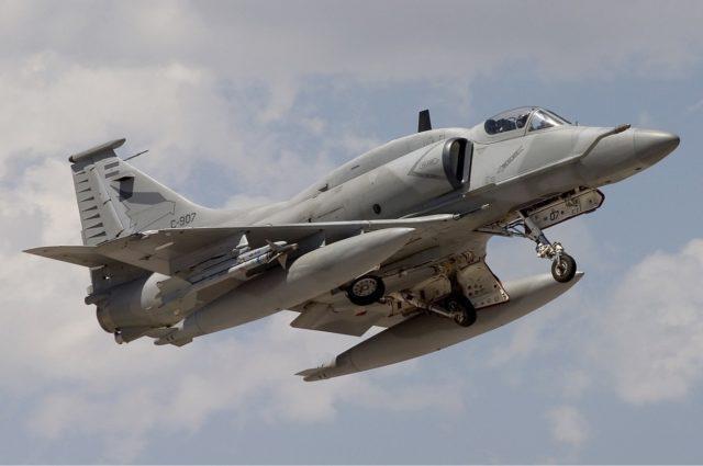 A Argentina conseguiria invadir o espaço aéreo brasileiro? 4AR Fightinghawk