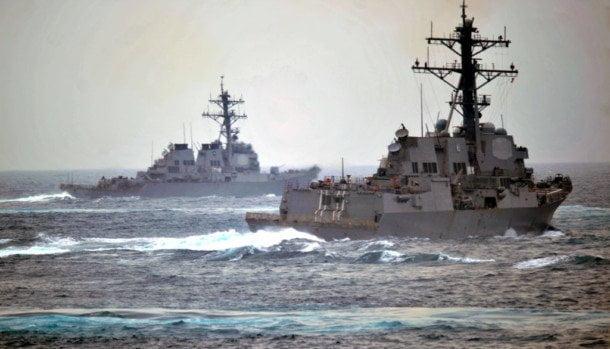 USS_Porter_DDG_78_and_USS_Nitze_DDG_94_-_120123-N-NL401-096-1024x732