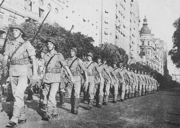 Desfile da FEB
