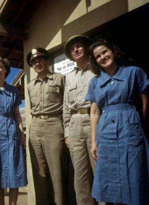 Oficiais com mulheres na Base de Parnamirim Field