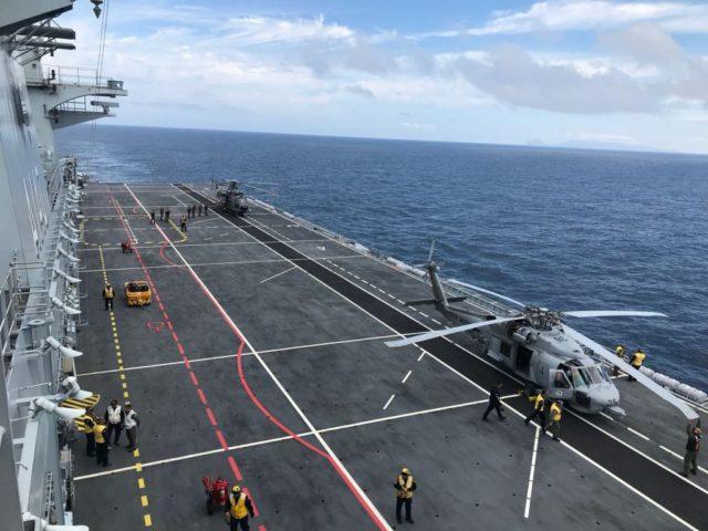 UH-15 Super Cougar e SH-16 Sea Hawk no PHM Atlântico
