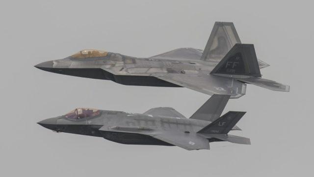 F-22 e F-35 - Aviões militares